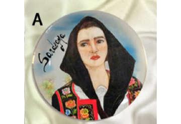 Immagine di Magnete piattino donna Sarda 7cm S/6 - A