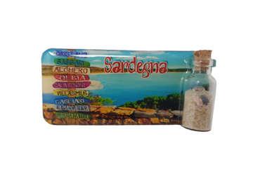 Immagine di Magnete rettangolare Sardegna Cartelli stradali con bottiglietta, sabbia e conchiglie