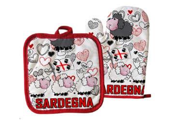 Immagine di Kit guanto e presina Sardegna pecorelle rosso