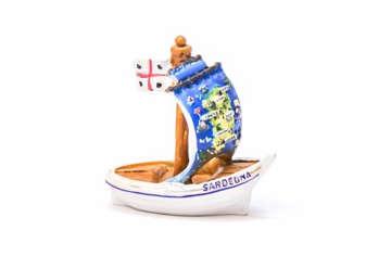 Immagine di Barca piccola Sardegna in resina 8.5cm