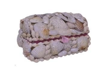 Immagine di Scatola bauletto colombella con conchiglie e glitter