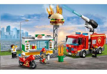 Immagine di Fiamme al Burger Bar