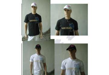 Immagine di T-shirt bianca cotone 100% ricamo isola Sardegna tg XL