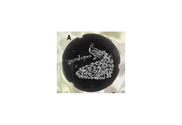 Immagine di Posacenere nero tondo Pavoncella Sardegna