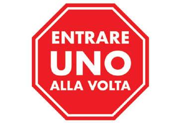 Immagine di Kit 3 adesivi da pavimento ENTRARE UNO ALLA VOLTA