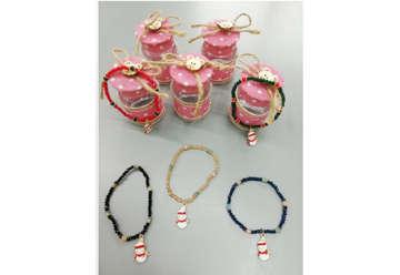 Immagine di Braccialetti con perline e ciondolo Babbo Natale in bottiglietta